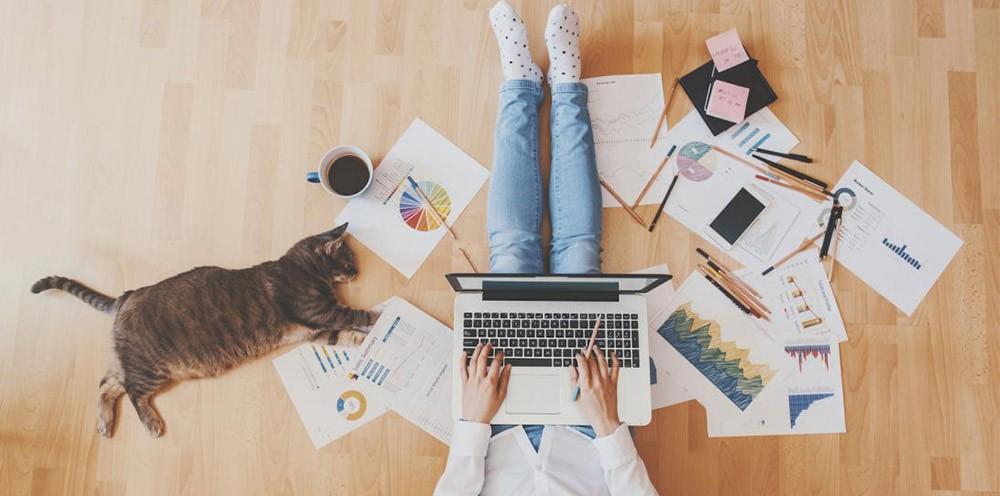 Enquête : Les franchises de travail à domicile - Hello Franchise